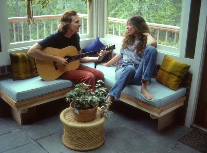 "James Taylor and Carly Simon ""at their Vineyard home."" Photo, Peter Simon."